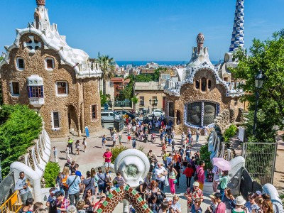 5 reasons to try Barcelona for your activities week in 2017